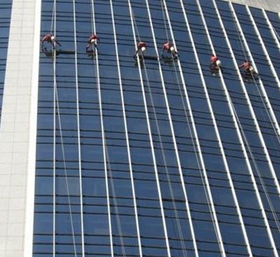 高层玻璃幕墙清洗